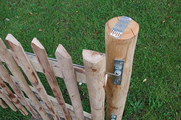 Trägerpfähle für Gartentüren aus Kastanienholz